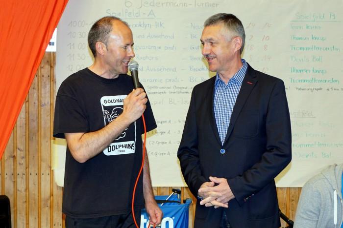Günter Ewertz (l.) im Interview mit Willi Weyer (r.) von der Sparkasse Trier